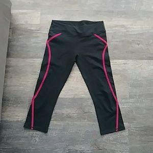 Fabletics capri workout legging